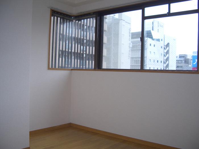 物件番号: 1068136974 ロイヤルパーク 大阪市淀川区西中島2丁目 3LDK マンション 写真3