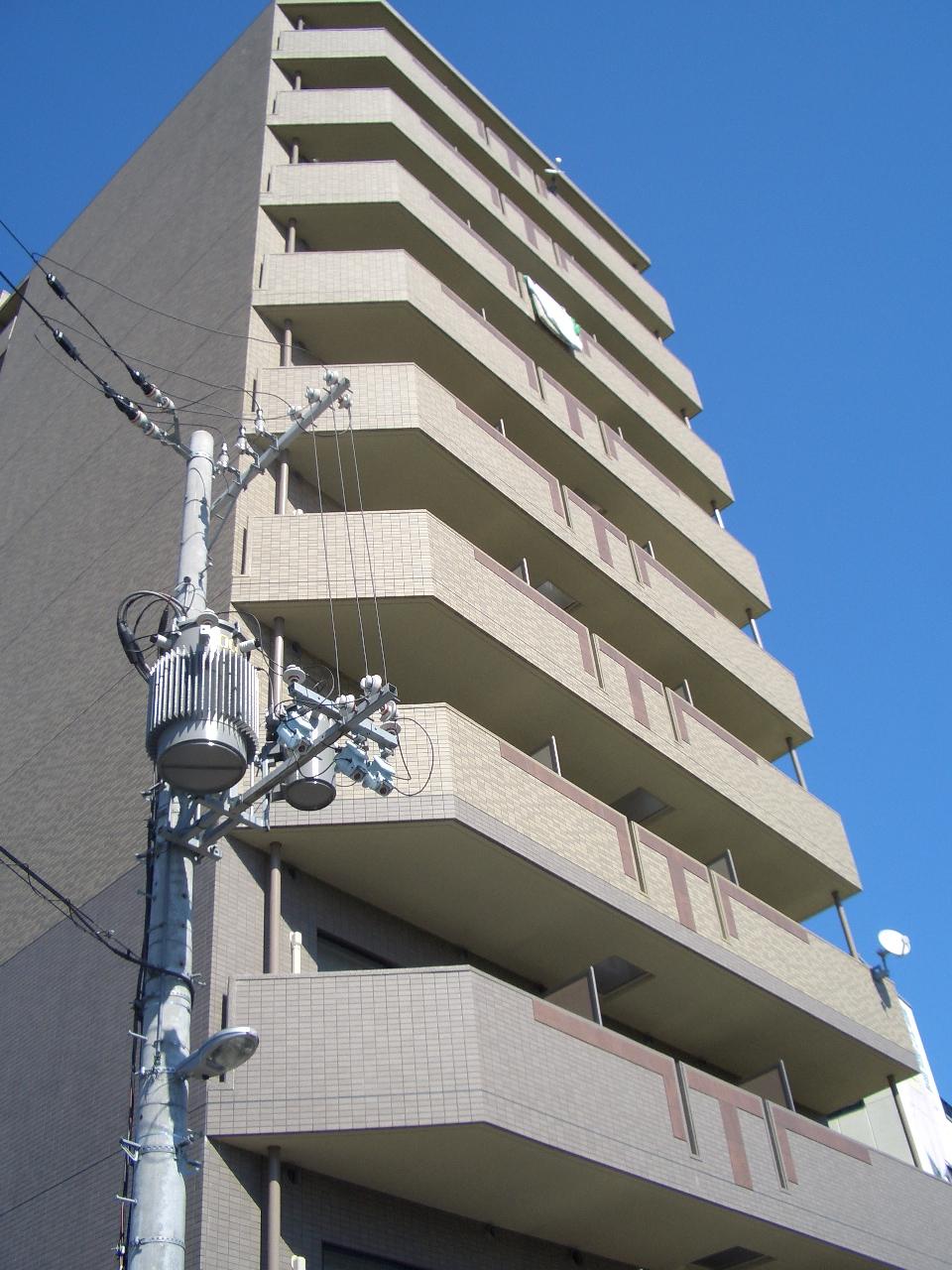 物件番号: 1068114251 ヴェリテ新大阪 大阪市淀川区西中島2丁目 1K マンション 外観写真